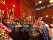 Festival de aldea Sen: ocasión para mostrar gratitud hacia Presidente Ho Chi Minh