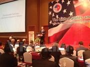 Vietnam debe mejorar capacidad competitiva, sugiere Michael Froman