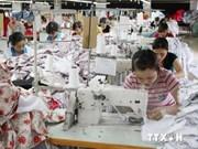 Asisten a exportadores vietnamitas de productos textiles