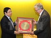 Continúan actividades de delegación del Partido Comunista de Vietnam en Francia