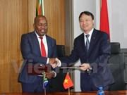 Vietnam y Sudáfrica apuntan elevar trasiego mercantil a tres mil millones de USD