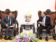 Premier de Vietnam recibe a nuevos embajadores de Malasia y Tailandia