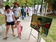 Exposición fotográfica sobre Vietnam a 40 años después de guerra
