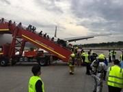 Avión singapurense obligado a aterrizar debido a incendio