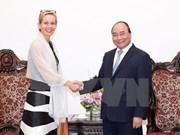 Premier vietnamita recibe a embajadores de Suecia y Myanmar