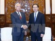 Presidente de Vietnam recibe al saliente embajador bielorruso