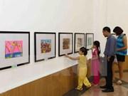 Exposición de pinturas en Hanoi saluda Día de la Familia de Vietnam y Rusia