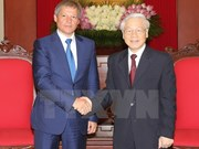 Altos dirigentes vietnamitas reciben a primer ministro rumano