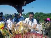 Jóvenes vietnamitas en ultramar rinden homenaje a mártires en Quang Tri