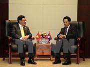 Vicepremier vietnamita se reúne con cancilleres de Laos y Brunei