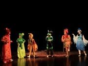 Efectúan intercambio cultural entre niños de países indochinos