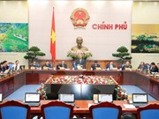 Gobierno de Vietnam discute situación de desarrollo socioeconómico