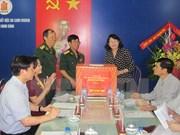 Vicepresidenta vietnamita entrega obsequios a víctimas de Agente Naranja