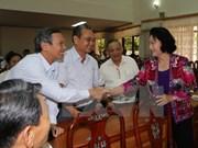 Presidenta parlamentaria se reúne con votantes de Can Tho