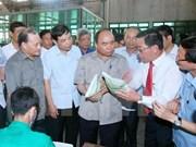 Premier de Vietnam inspecciona construcción de nuevas zonas rurales