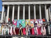 Jóvenes y estudiantes vietnamitas en EE.UU. hacia la Patria
