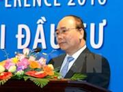 Premier de Vietnam estimula cooperación entre empresas nacionales y extranjeras