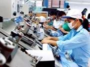 Prevén mayor demanda de trabajadores en algunos sectores en Vietnam
