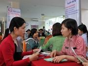 Más de un millón de vietnamitas en edad laboral parados