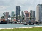 Singapur enfrenta presión de alto salario