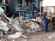 Vietnam mejora capacidad de reciclaje de residuos electrónicos