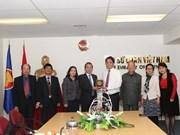 Visita Nueva Zelanda delegación de Comité del Frente de la Patria de Hanoi