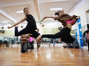 Baile contemporáneo matiza vida cultural de vietnamitas