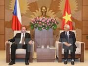 Visita Vietnam delegación del Senado del Parlamento de la República Checa