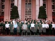 Premier de Vietnam aboga por impulsar industria de defensa