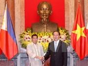 Presidente de Vietnam dialoga con homólogo de Filipinas