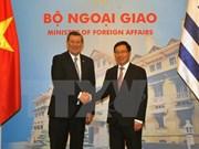 Vietnam y Uruguay proponen crear un comité para cooperación económica