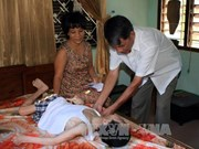 Unen manos por víctimas de Agente Naranja /Dioxina