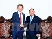 Premier de Vietnam exhorta a impulsar comercio con Suecia