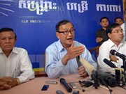 Multan a líder opositor de Camboya por difamación