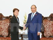 Premier de Vietnam propuso incrementar conexión económica con Singapur
