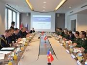 Vietnam y Francia dialogan sobre cooperación en defensa
