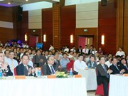 Premier vietnamita urge a la provincia de Hoa Binh priorizar agricultura orgánica