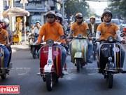 Recorriendo Saigón en Vespas