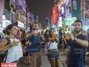 """[Fotos] Bui Vien, """"barrio occidental"""" en Ciudad Ho Chi Minh"""