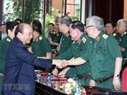 Premier vietnamita asiste a la conferencia sobre el trabajo político en el Ejército Popular