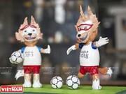 [Fotos] Profesor vietnamita elabora mascotas de la Copa Mundial con cáscaras de huevo