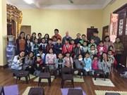 Clase gratuita de idioma inglés en pagoda Phap Van en Hanoi