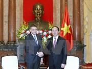 Presidente de Vietnam recibe a jefe de inteligencia de Bulgaria