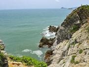 Más turistas acuden a la isla de Quan Lan en Quang Ninh