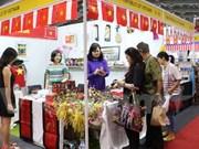 Vietnam participa en feria internacional de caridad en Indonesia