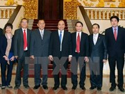 Premier pide a VNA y KPL a fomentar cooperación bilateral