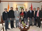 Presidenta parlamentaria conversa con líderes de partidos indios