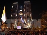 Vietnamitas disfrutan de Navidad en ambiente de alegría