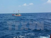 Buscan a pescadores desaparecidos en el mar