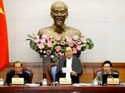Premier insta a impulsar política para el desarrollo sostenible de Vietnam